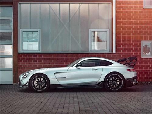 Новость про Mercedes-Benz - Mercedes AMG GT прировняли к Bugatti Veyron