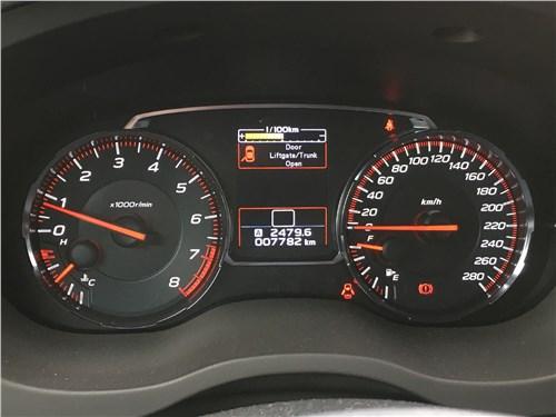 Subaru WRX Sport (2018) приборная панель