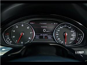 Audi A8 2014 приборная панель