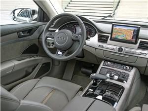 Audi A8 2014 водительское место