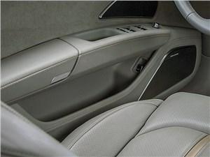 Audi A8 2014 дверь