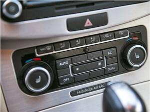 Volkswagen Passat CC 2011 магнитола фото 2
