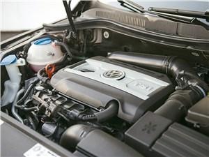 Volkswagen Passat CC 2011 двигатель