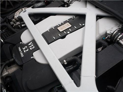 Aston Martin DB11 2017 двигатель