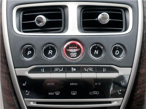 Aston Martin DB11 2017 центральная консоль