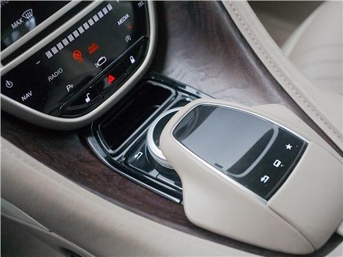 Aston Martin DB11 2017 селектор мультимедийной системы
