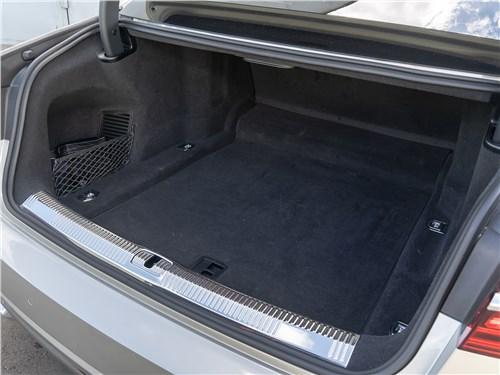 Audi A8 L 55 TFSI quattro багажное отделение