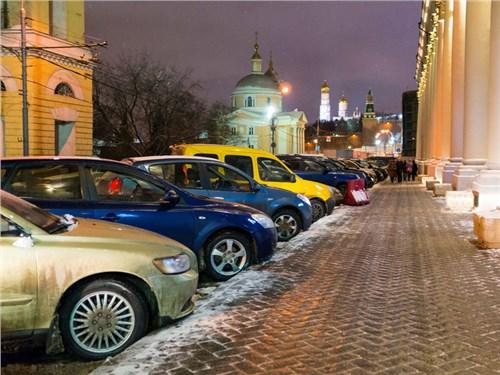 Власти Москвы сохранят бесплатную парковку по воскресеньям