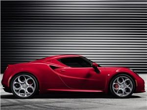 Alfa Romeo 4C 2013 вид сбоку