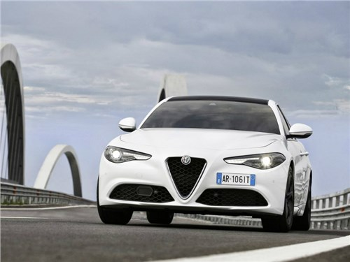Alfa Romeo привезет в Женеву новую версию Giulia