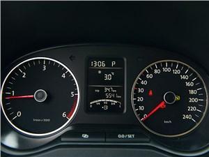 Предпросмотр volkswagen amarok double cab 2011 приборная панель