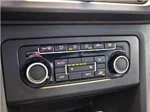 Предпросмотр volkswagen amarok 2010 центральная консоль