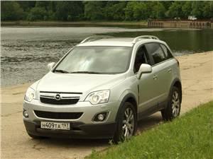 Opel Antara 2012 вид спереди