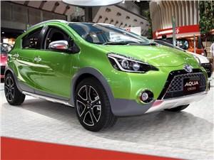 Toyota Aqua Cross concept 2014 вид спереди