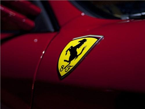 Во все тяжкие: Ferrari запатентовала 4-цилиндровый мотор