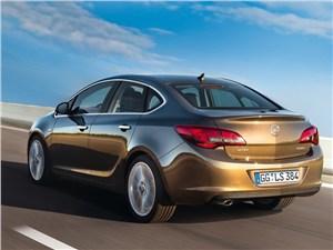 Opel Astra 2013 вид сзади