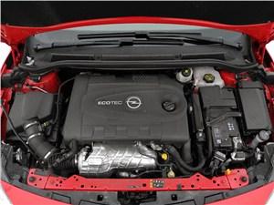 Opel Astra GTC 2012 двигатель