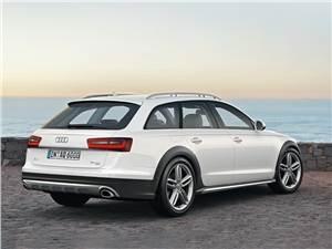 Audi A6 allroad 2012 вид сзади