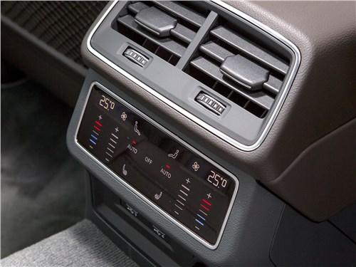 Audi A6 55 TFSI quattro 2019 климат для второго ряда