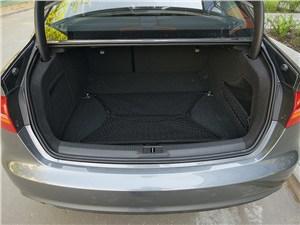 Предпросмотр audi a4 2012 багажное отделение