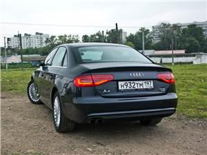 """""""Люкс"""" компактного размера (Audi A4, BMW 3 Series, Mercedes-Benz С-Klasse) A4 - Audi A4 2012 вид сзади"""
