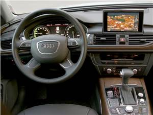 Audi A6 Hybrid 2012 водительское место