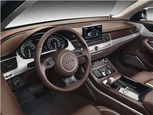 Audi A8 Hybrid 2013 водительское место