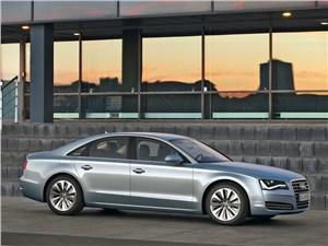 Audi A8 Hybrid 2013 вид сбоку