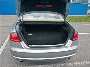 Audi A8 Hybrid 2013 багажное отделение