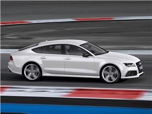 Audi RS7 - Audi RS7 2013 вид сбоку