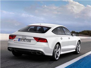 Audi RS7 - Audi RS7 2013 вид сзади