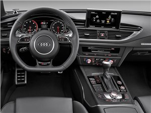 Audi RS7 - Audi RS7 2013 водительское место