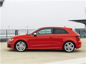 Audi S3 - Audi S3 2013 вид сбоку