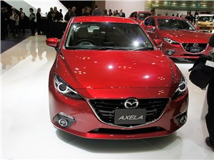Mazda Axela 2013 вид спереди