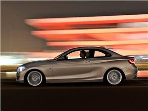 BMW 2 Series - BMW 2 Series 2013 вид сбоку