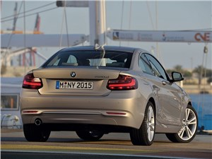 BMW 2 Series - BMW 2 Series 2013 вид сзади