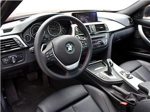 BMW 335i 2012 водительское место