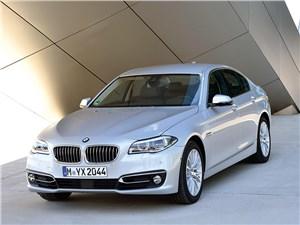 BMW 5 2013 вид спереди