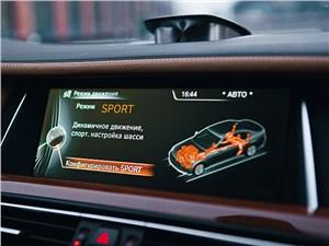 BMW 760Li 2012 монитор