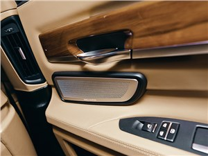 BMW 760Li 2012