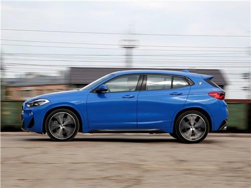 BMW X2 2019 вид сбоку