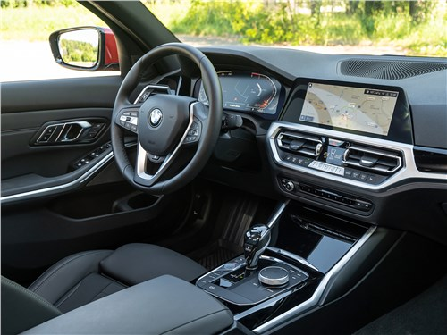 BMW 3-Series 2019 салон