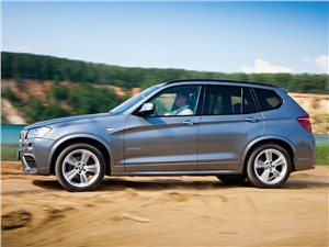 BMW X3 2011 вид сбоку