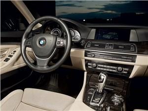 BMW 535i xDrive 2013 водительское место