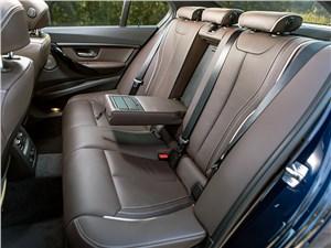 BMW 320i 2013 задний диван
