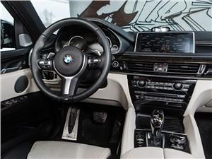 Предпросмотр bmw x6 2015 водительское место