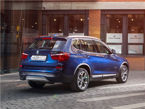 BMW X3 30d 2015 вид сзади