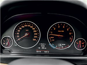 BMW 3 Series GT - BMW 3 series GT 2013 приборная панель