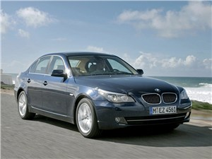 Mercedes-Benz E-Class, BMW 5 series, Audi A6 - bmw 5 series 2008 вид спереди