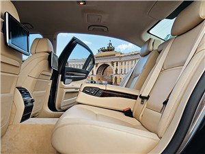 BMW 7 series 2013 места для пассажиров
